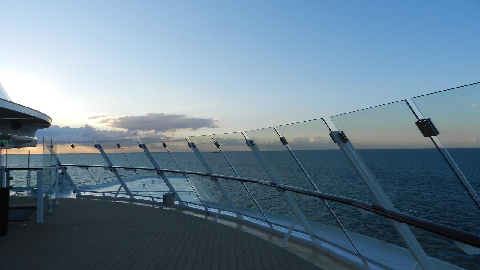 Allein an Bord der Mein Schiff 4 kreuzfahrt europa  tui berlin mein schiff4 aussenterrasse aussicht