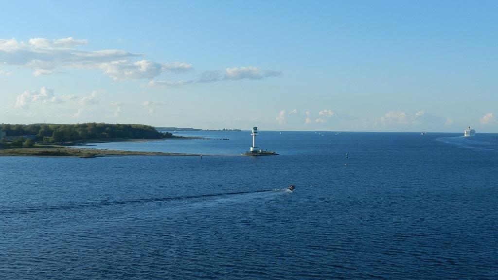 Allein an Bord der Mein Schiff 4 kreuzfahrt europa  tui berlin mein schiff4 kueste aussicht