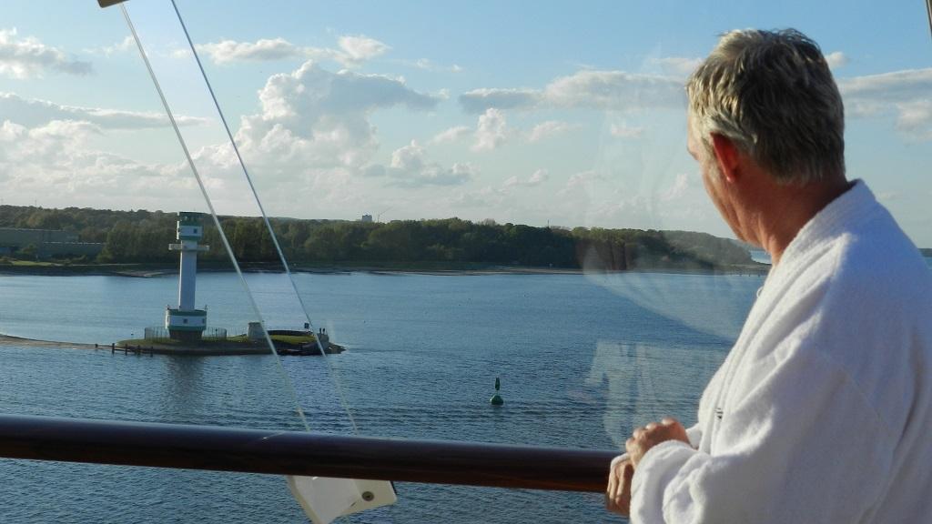 Allein an Bord der Mein Schiff 4 kreuzfahrt europa  tui berlin mein schiff4 leuchtturm kiel