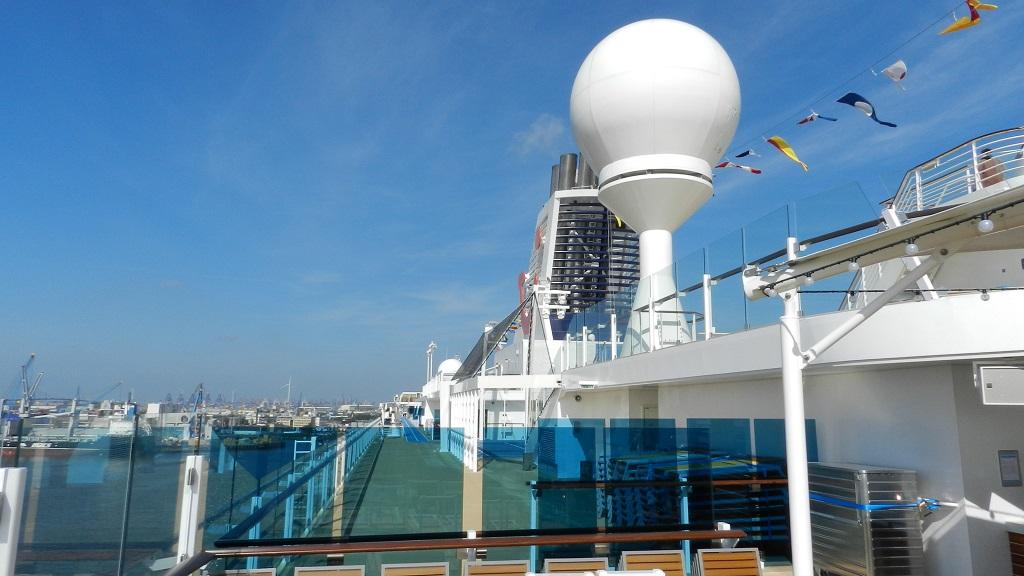Allein an Bord der Mein Schiff 4 kreuzfahrt europa  tui berlin mein schiff4 oberdeck