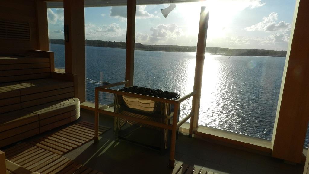 Allein an Bord der Mein Schiff 4 kreuzfahrt europa  tui berlin mein schiff4 wellness panorama