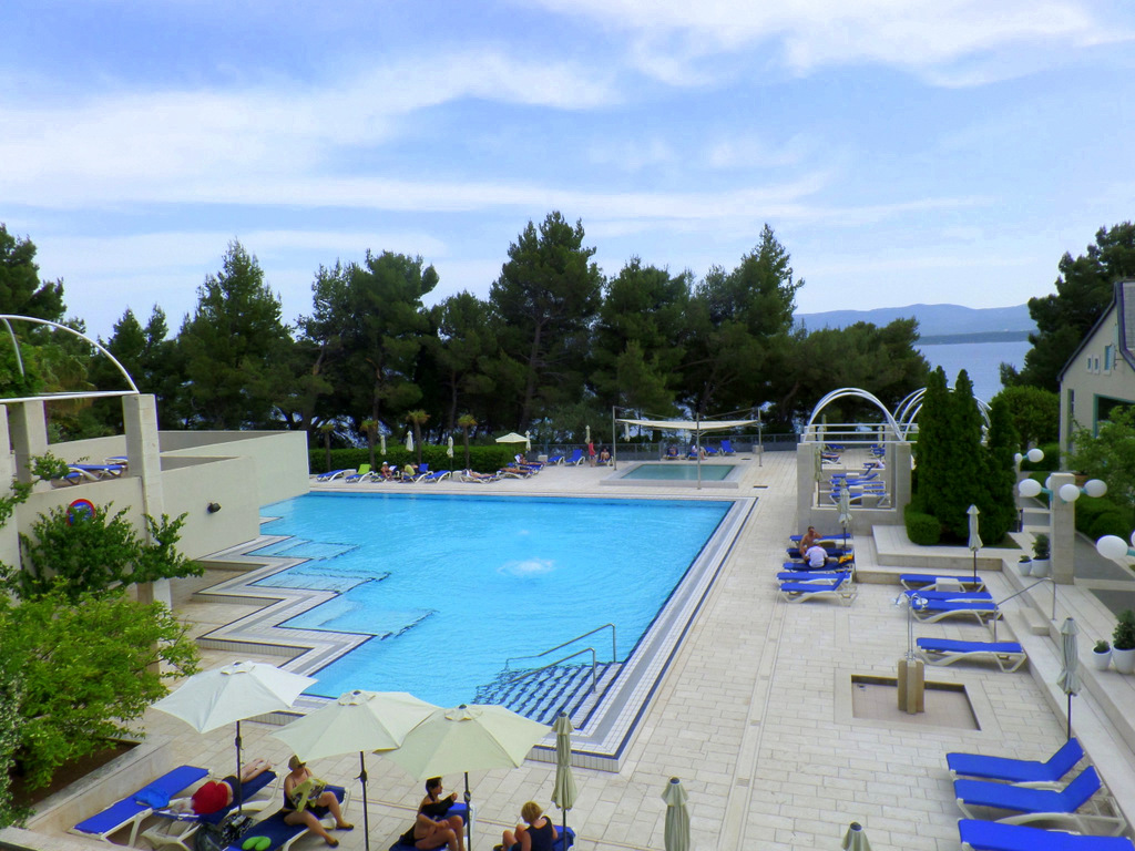 Kurzreise Kroatien   Frühstück an der Adria. staedtereisen kroatien europa  tui berlin hotel bretanide