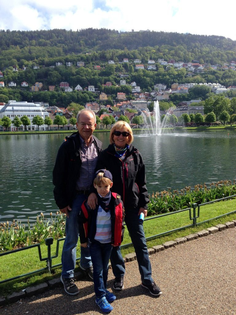 Familienfoto in Bergen, Norwegen - World of TUI Berlin Reisebericht