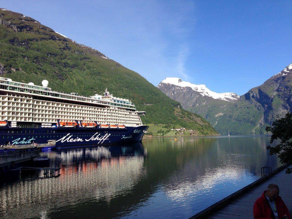 Die ganze Familie an Bord der Mein Schiff 4 norwegen kreuzfahrt familie europa  tui berlin mein schiff 4 kreuzfahrt fjorde 1024x768