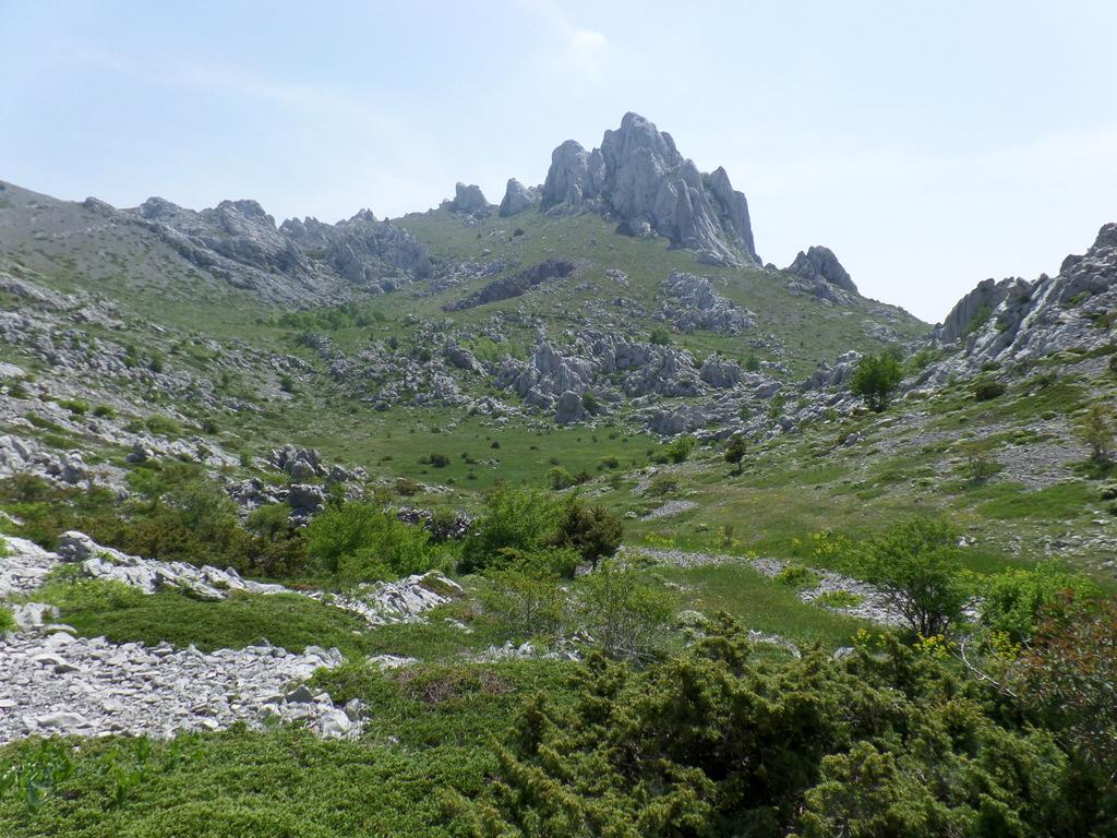Kurzreise Kroatien   Frühstück an der Adria. staedtereisen kroatien europa  tui berlin norddalmatien berge