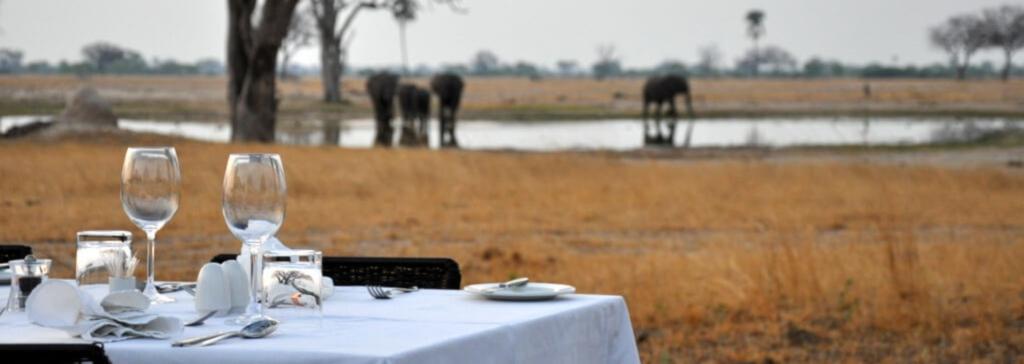 Ruckomechi Camp Wasserloch Simbabwe