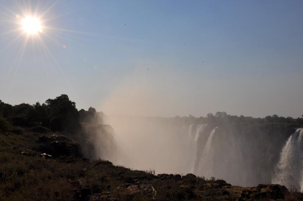 Simbabwe und Victoria Falls mit Wilderness Safaris sonne simbabwe safari land und leute afrika  tui berlin Vic Falls Simbabwe