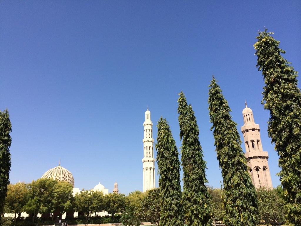 Meine Reise nach Dubai und in den Oman. staedtereisen sonne orient oman dubai  tui berlin Oman Muscat Grosse Sultan Qabus Moschee 1