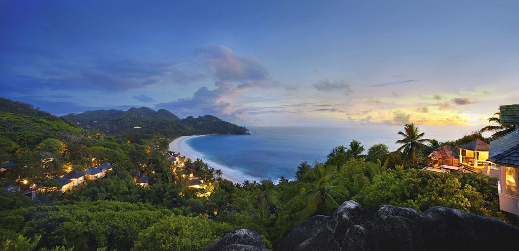 Seychellen: Abtauchen am Traumstrand   Banyan Tree Seychelles tui hotels strand sonne seychellen indischer ozean orient honeymoon 2 angebote und specials angebot airtours hotels  tui berlin banyan tree seychelles night 1024x495