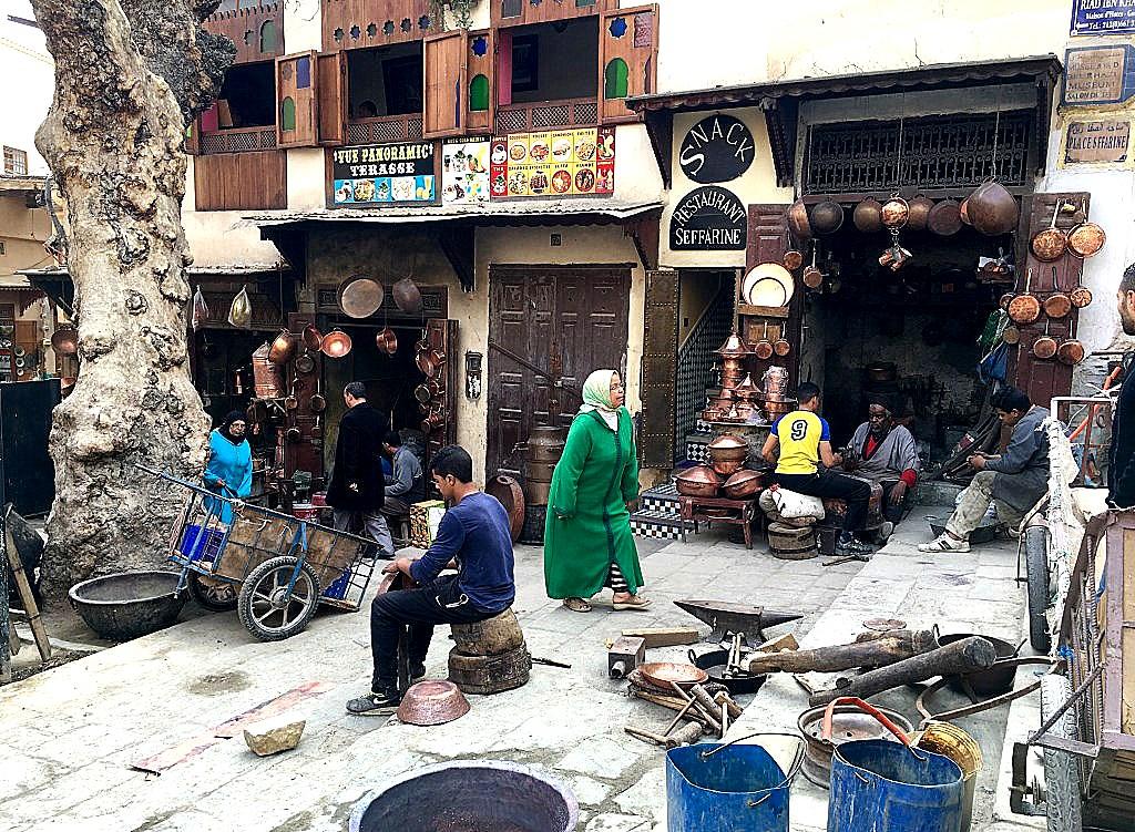 Marokkos Königsstädte   Eine Gebeco Erlebnisrundreise staedtereisen sonne land und leute marokko afrika  tui berlin marokko fes medina leben 1