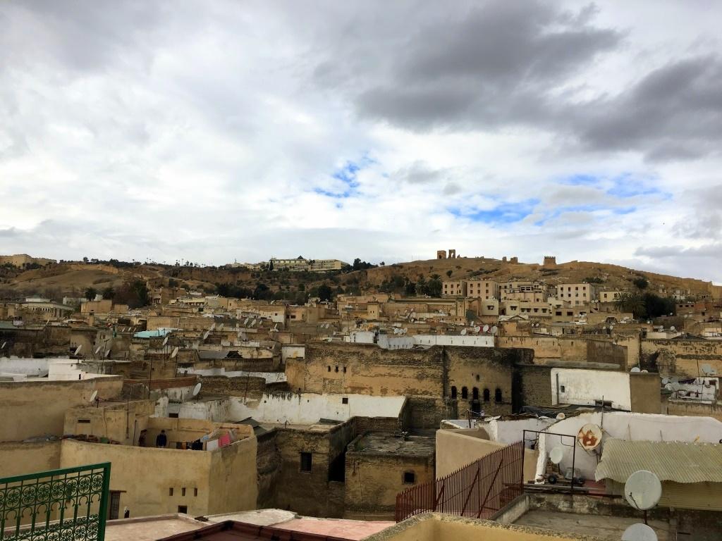 Marokkos Königsstädte   Eine Gebeco Erlebnisrundreise staedtereisen sonne land und leute marokko afrika  tui berlin marokko fes von oben