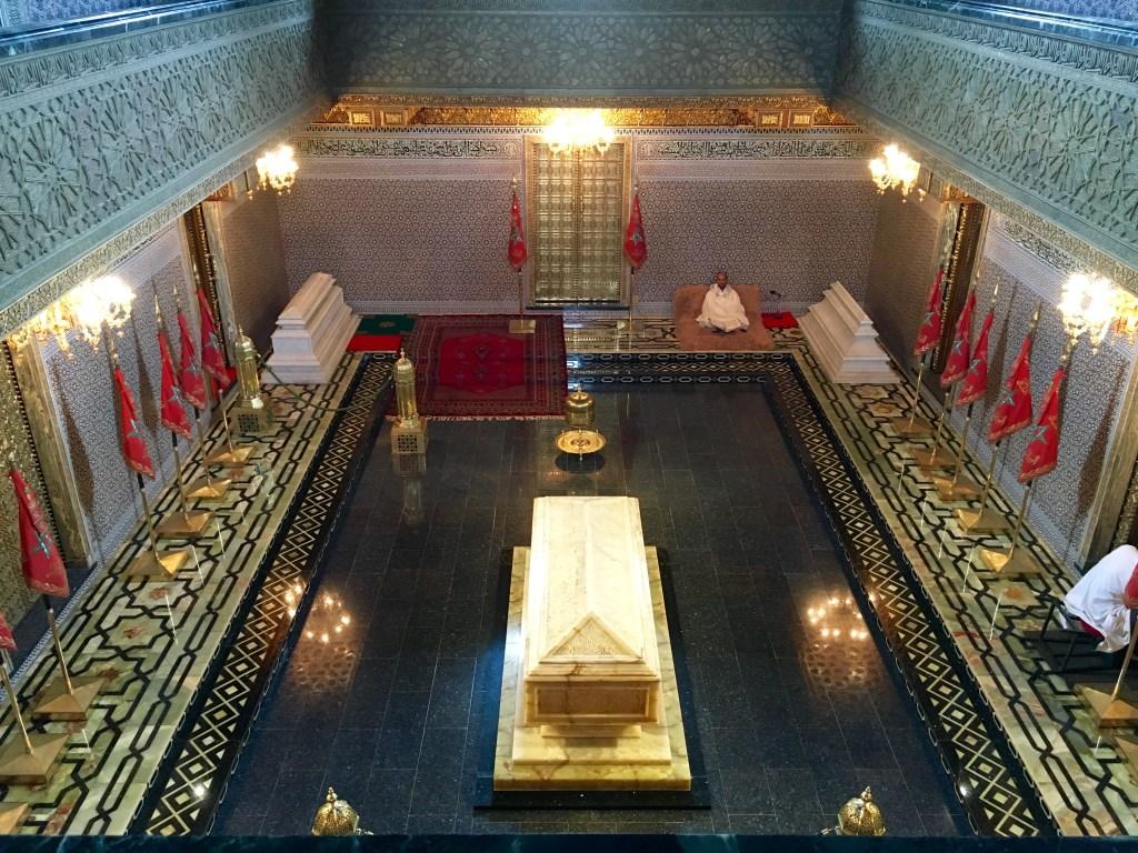 Marokkos Königsstädte   Eine Gebeco Erlebnisrundreise staedtereisen sonne land und leute marokko afrika  tui berlin marokko mausoleum mohammed hassan innenansicht
