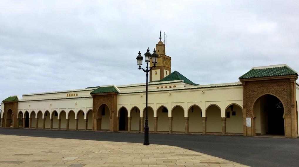Marokkos Königsstädte   Eine Gebeco Erlebnisrundreise staedtereisen sonne land und leute marokko afrika  tui berlin marokko rabat koenigspalast moschee.jpg
