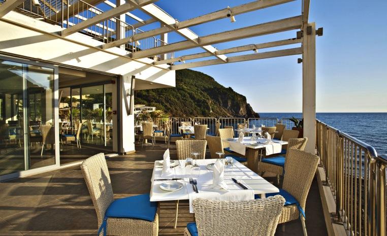 TUI SENSIMAR: Zum Start in den Sommer auf die grünste Insel Griechenlands tui hotels strand griechenland angebote und specials angebot  tui berlin sensimar grand mediterraneo culinarium