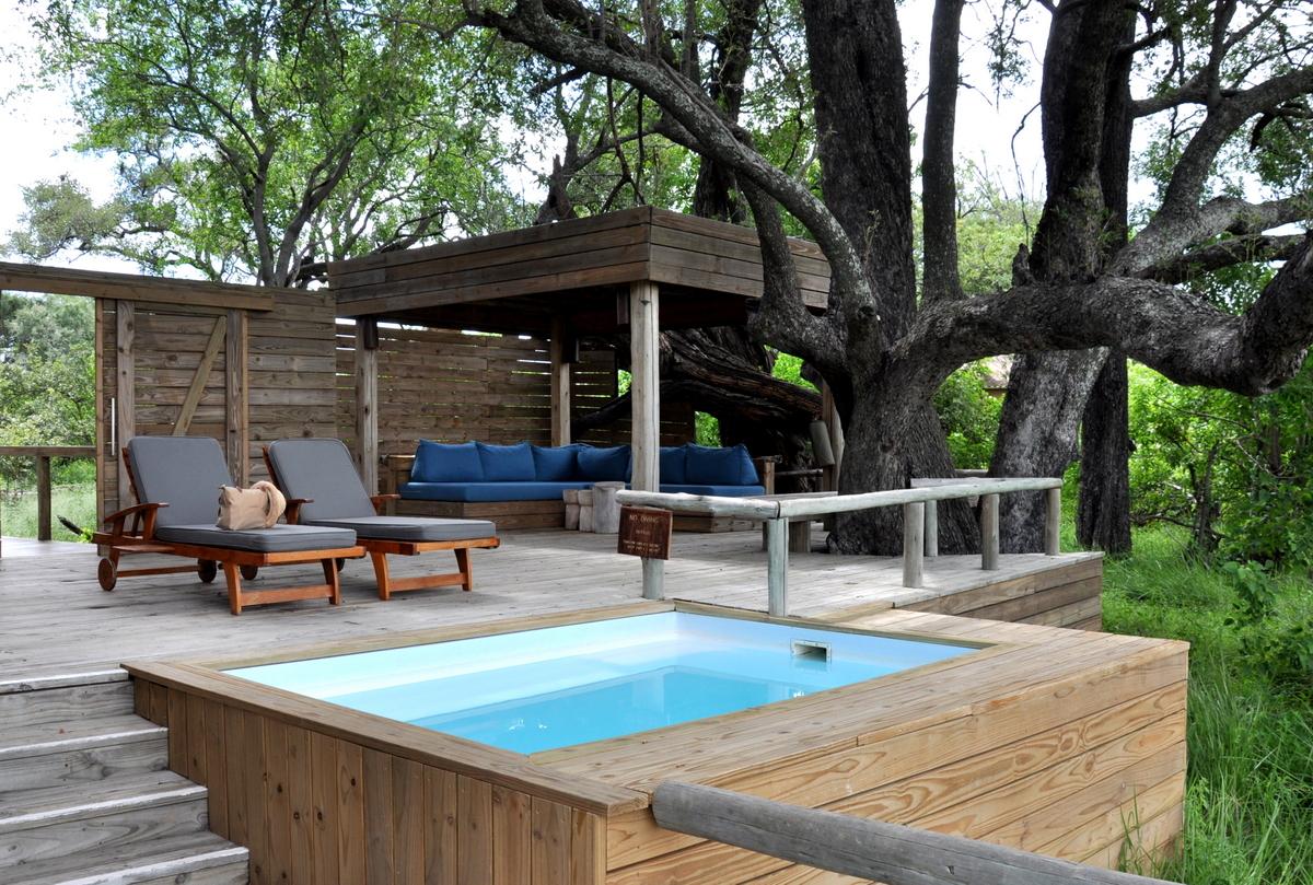 Botswana Safari und Victoriafälle: Unsere Afrika Rundreise sonne land und leute reisebericht botswana afrika  TUI Berlin Botswana Safari Vumbura Pool