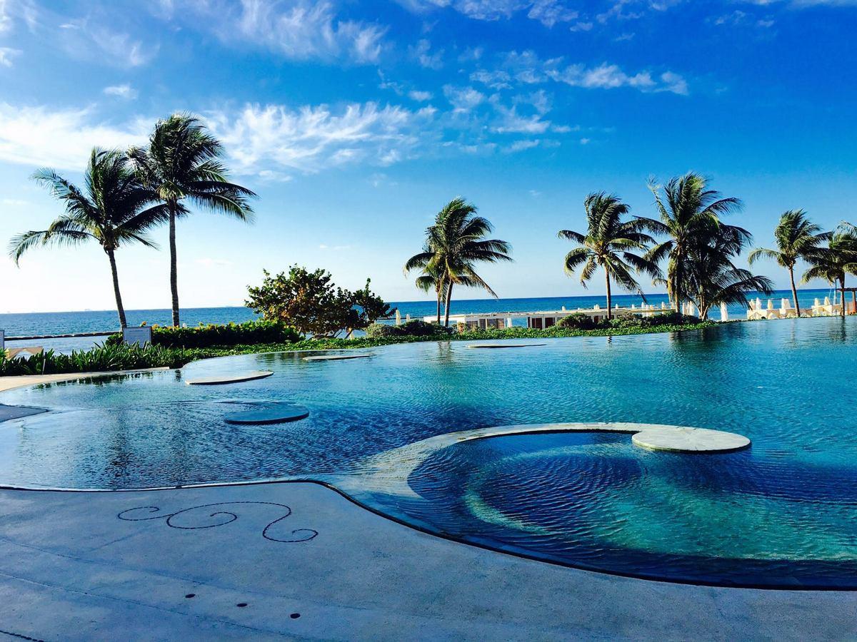 Mexiko   Entspannung und Kultur an der Riviera Maya strand sonne land und leute reisebericht mexiko  TUI Berlin Mexico GrandVelas Resort Pool