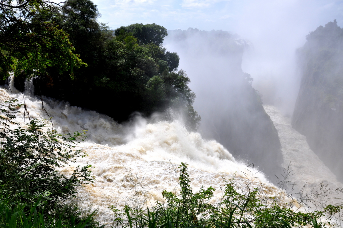 Botswana Safari und Victoriafälle: Unsere Afrika Rundreise sonne land und leute reisebericht botswana afrika  TUI Berlin Simbabwe Victoriafälle
