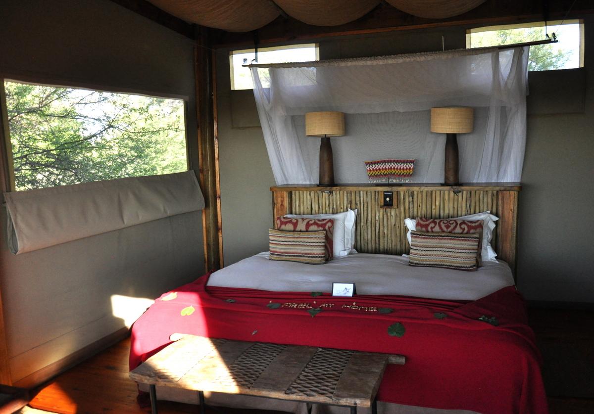 Botswana Safari und Victoriafälle: Unsere Afrika Rundreise sonne land und leute reisebericht botswana afrika  tui berlin botswana safari Wildernesscamp Xigera