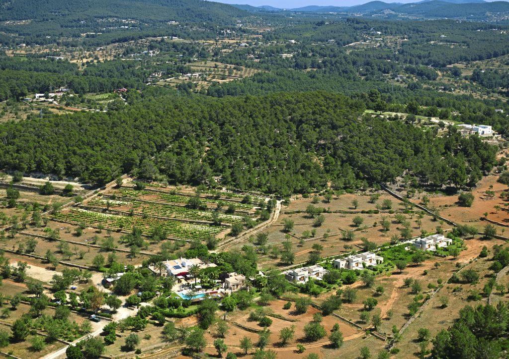 Ibiza ganz anders   Boutique Landhotel Can Lluc news balearen angesagte reiseziele angebote und specials angebot airtours hotels  tui berlin ibiza boutique landhotel villas can lluc umgebung 1024x724