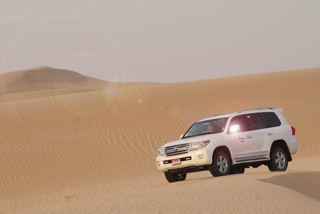 Einzigartige Wüstenerlebnisse strand staedtereisen sonne land und leute reisebericht abu dhabi  tui berlin wüste abu dhabi dünen jeep
