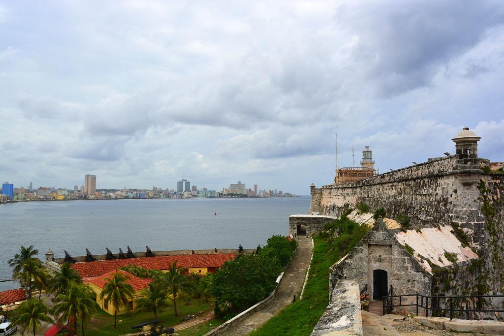 Urlaub auf Kuba nach der Öffnung strand sonne land und leute reisebericht kuba  tui berlin kuba havanna Castell
