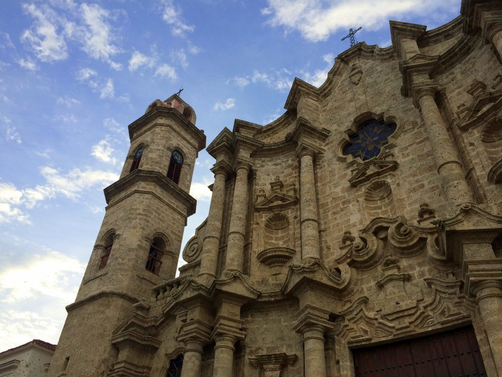 Urlaub auf Kuba nach der Öffnung strand sonne land und leute reisebericht kuba  tui berlin kuba havanna Kirche1