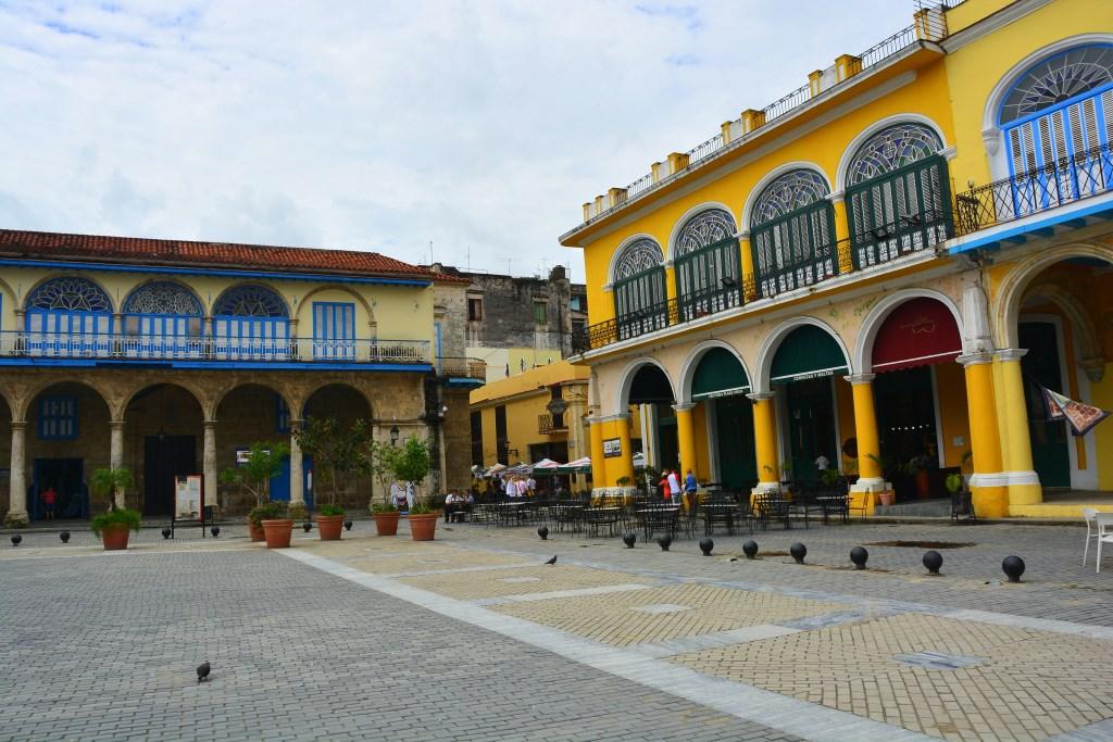 Urlaub auf Kuba nach der Öffnung strand sonne land und leute reisebericht kuba  tui berlin kuba havanna plaza1