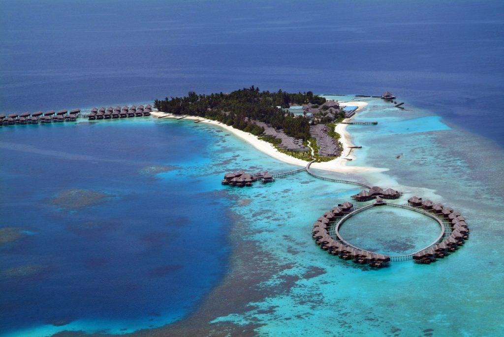 Coco Bodu Hithi   Malediven zauberhaft tui hotels sonne mauritius honeymoon 2 angebote und specials angebot  TUI Berlin Malediven Coco Boduhithi Luftansicht 1 1024x685