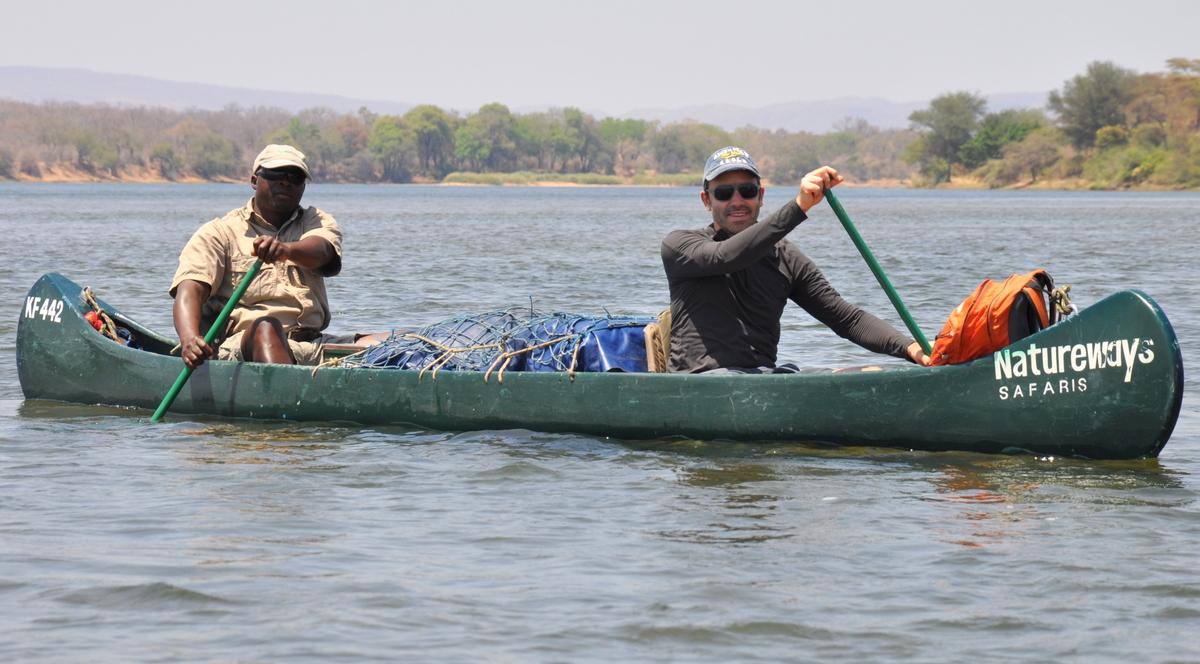 Zwischen Sambia und Simbabwe   mit dem Kanu unterwegs auf dem Sambesi sonne simbabwe safari reisebericht afrika  TUI Berlin Reisebür Paddeltour Sambesi Joerg Kaestner