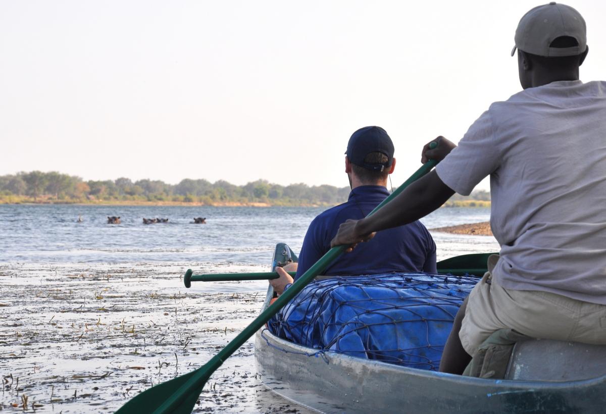 Zwischen Sambia und Simbabwe   mit dem Kanu unterwegs auf dem Sambesi sonne simbabwe safari reisebericht afrika  TUI Berlin Reisebüro Paddeltour Sambesi Start