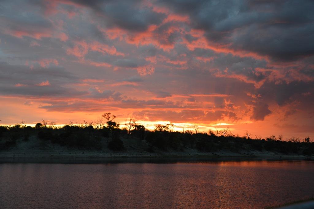 Auf dem Zambezi zwischen Namibia und Botswana reisebericht new namibia botswana afrika  tui berlin chobe princess sambesi queen sundown