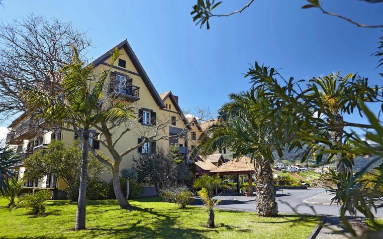 Madeira. Attraktiv 365 Tage im Jahr. tui hotels strand sonne expertentipps  tui berlin quinta do furao außenansicht