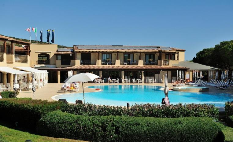Erholung im Paradies   TUI SENSIMAR Matta Village tui hotels strand sonne italien angebote und specials angebot  tui berlin sensimar matta village pool2 1