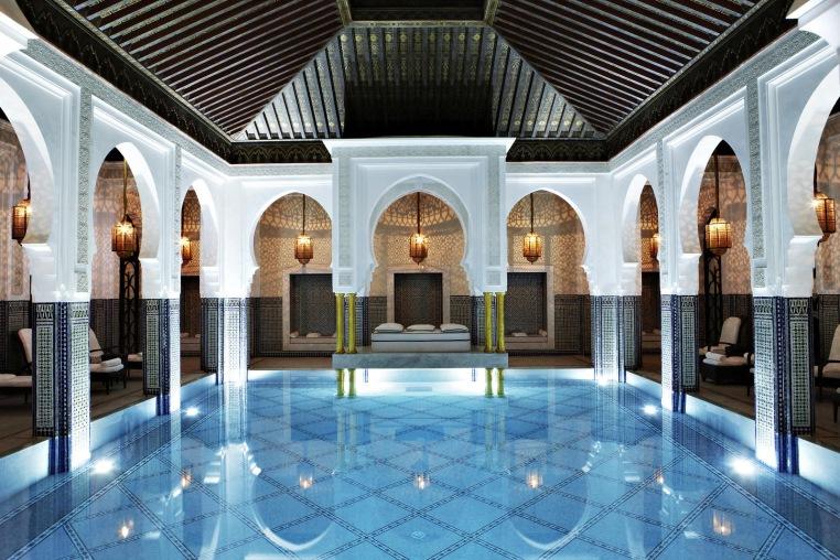 Top 4 Hoteltipps für Marrakesch tui hotels staedtereisen sonne marokko expertentipps airtours hotels  tui berlin marrakesch la mamounia indoor pool
