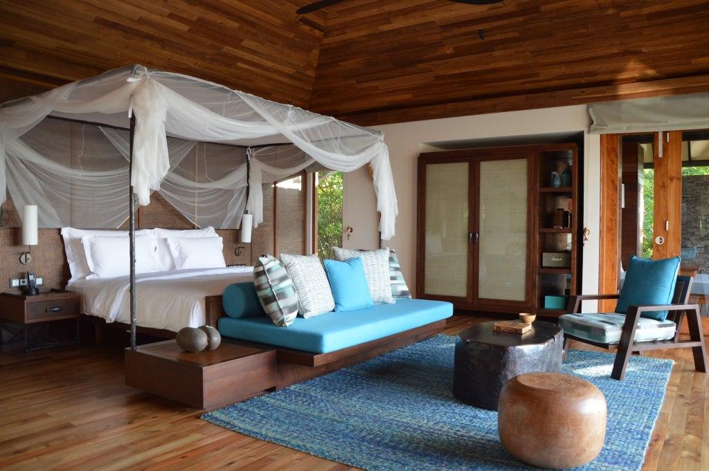 Six Senses Zil Pasyon: Pool Villen mit Ausblick auf den Indischen Ozean strand sonne seychellen new honeymoon 2  tui reisebuero berlin seychellen six senses zimmer 1