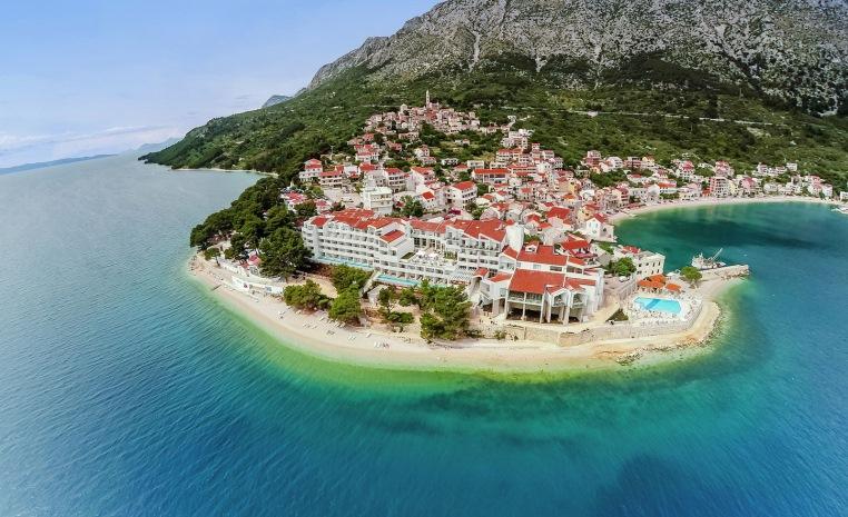 Kroatien   Azurblaues Inselparadies tui hotels strand sonne kroatien expertentipps  tui berlin sensimar makarska außenansicht