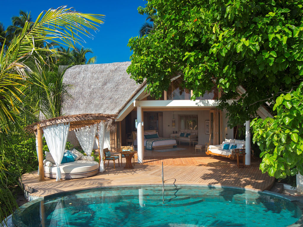 Milaidhoo Island Beachvilla mit Pool, Malediven - World of TUI Berlin Reisebericht