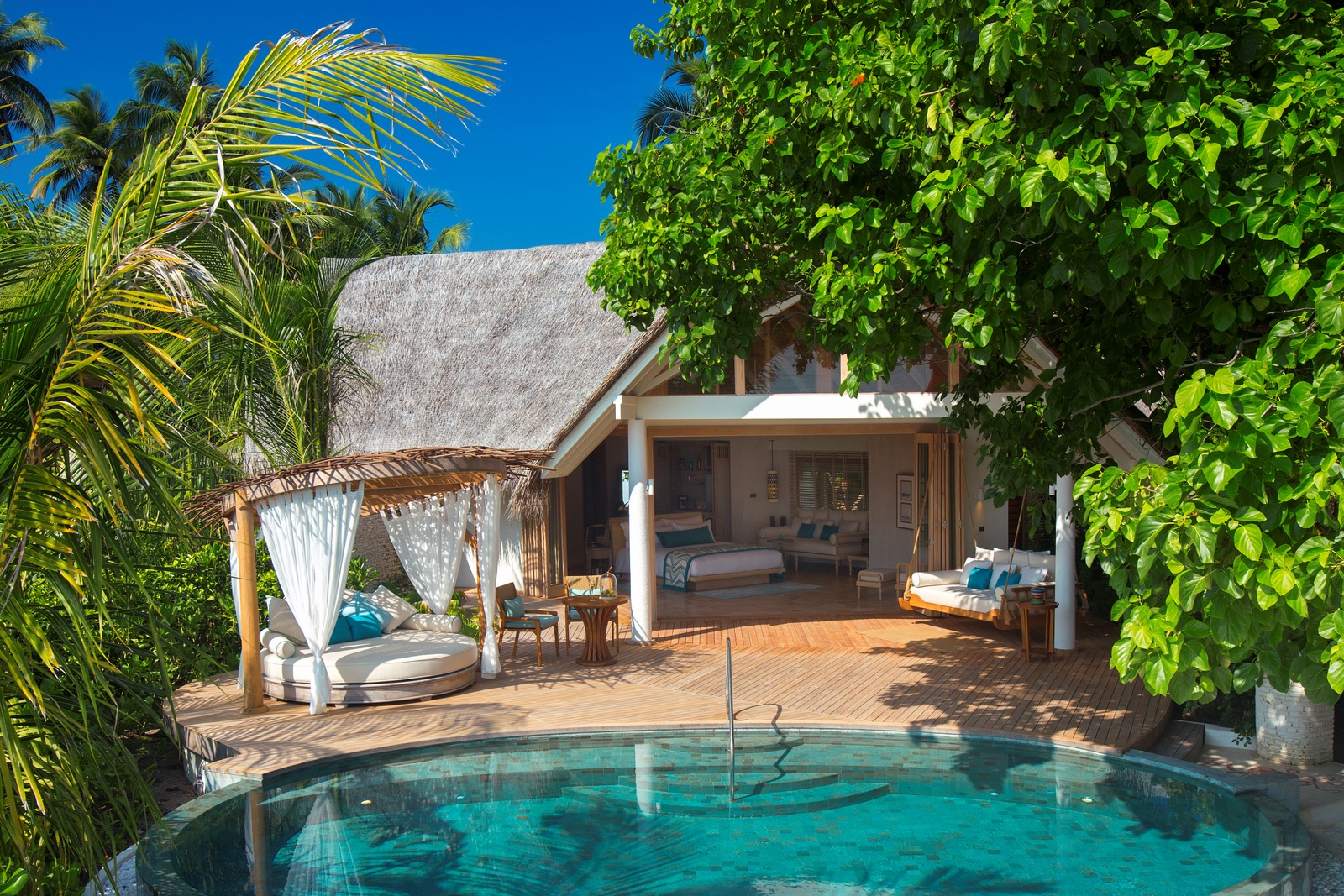 Malediven    die neue Trauminsel Milaidhoo im Baa Atoll strand sonne reisebericht malediven honeymoon 2  TUI Berlin Reisebüro Malediven Milaidhoo Beachvilla mit Pool
