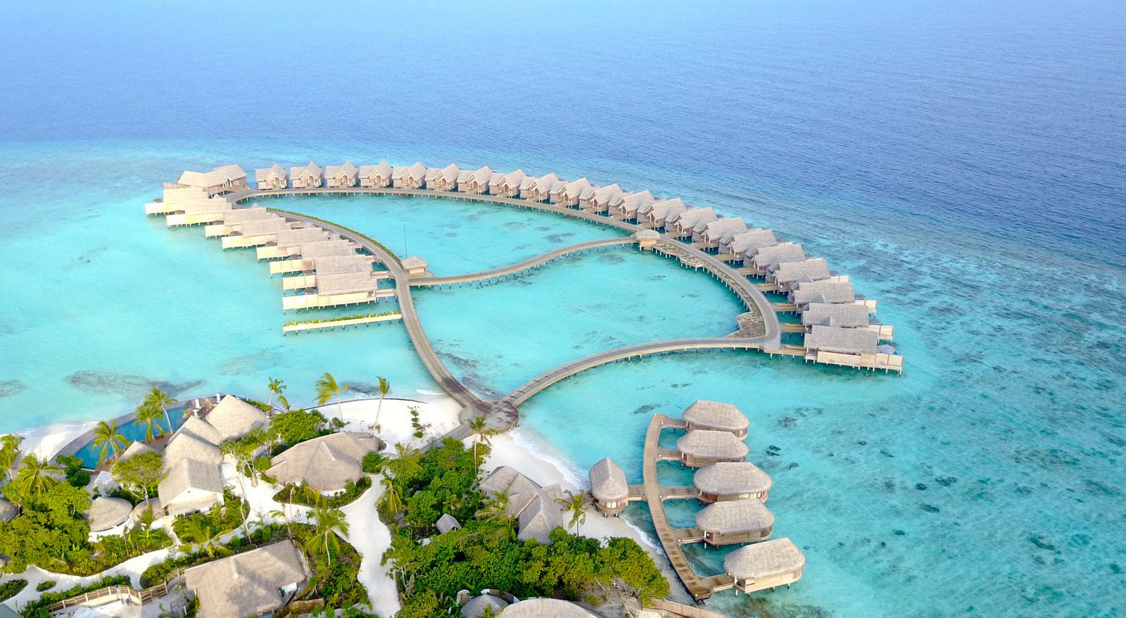 Malediven    die neue Trauminsel Milaidhoo im Baa Atoll strand sonne reisebericht malediven honeymoon 2  TUI Berlin Reisebüro Malediven Milaidhoo Island Watervillas