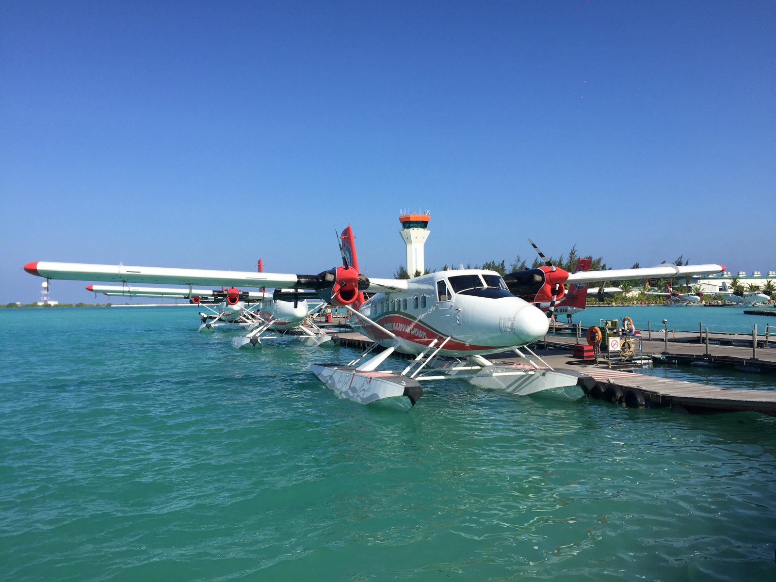 Malediven    die neue Trauminsel Milaidhoo im Baa Atoll strand sonne reisebericht malediven honeymoon 2  TUI Berlin Reisebüro Malediven Wasserflugzeug