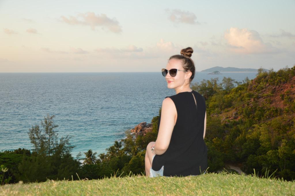 Seychellen, ein Himmel auf Erden   Constance Hotels & Resorts strand sonne seychellen new honeymoon 2  tui berlin praslin lemuria resort ines sitzend