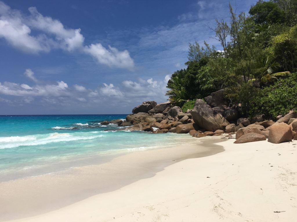 Seychellen, ein Himmel auf Erden   Constance Hotels & Resorts strand sonne seychellen new honeymoon 2  tui berlin praslin lemuria resort strand blog2