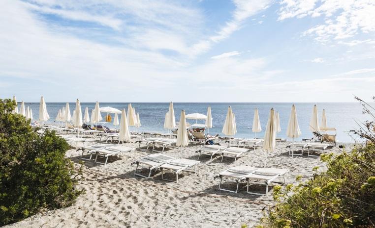 Familienurlaub auf Sardinien   TUI Family Life Janna e Sole tui hotels strand italien angebote und specials angebot  tui berlin family life janna e sole strand