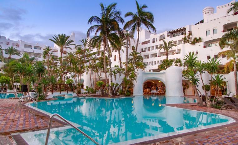 Der TUI BLUE Sommer 2018 ist da. tuerkei tunesien tui hotels sonne portugal oesterreich kroatien kanaren expertentipps balearen angebote und specials  tui berlin tui blue jardin tropical pool