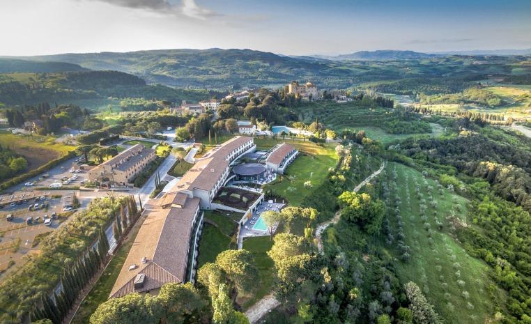 Il Castelfalfi   TUI BLUE SELECTION im Herzen der Toskana news sonne italien angebote und specials angebot  tui berlin castelfalfi außenansicht