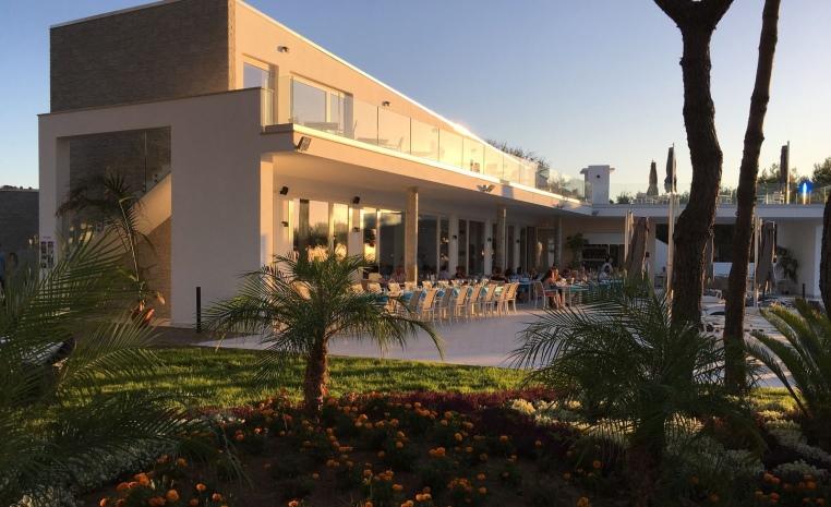 Wohlfühl Oase am Mittelmeer   Das TUI Sensimar Tropea tui hotels strand sonne italien honeymoon 2 angebote und specials angebot  tui berlin sensimar tropea hauptrestaurant