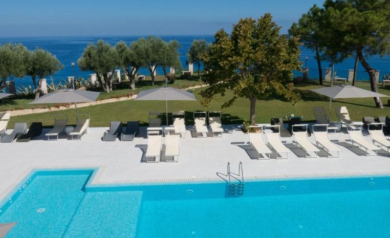 Wohlfühl Oase am Mittelmeer   Das TUI Sensimar Tropea tui hotels strand sonne italien honeymoon 2 angebote und specials angebot  tui berlin sensimar tropea poool