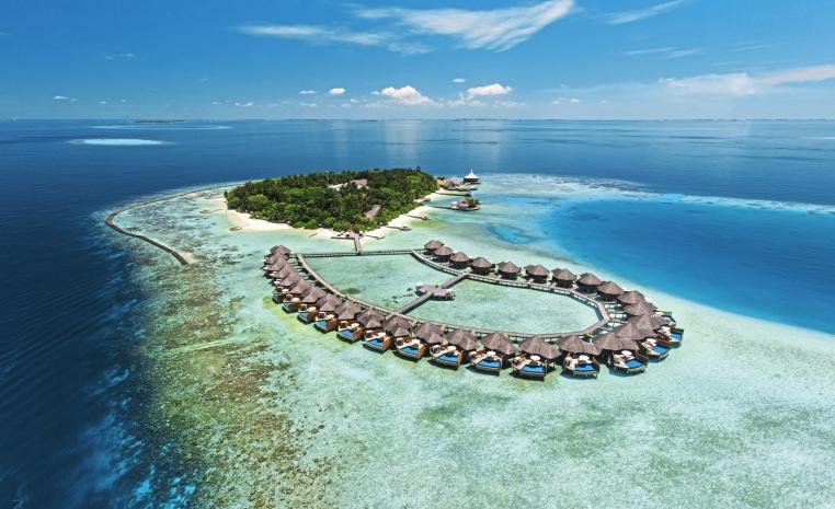 Trauminseln der Malediven: Universal Resorts strand sonne malediven indischer ozean orient honeymoon 2 expertentipps  tui berlin baros maldives außenansicht