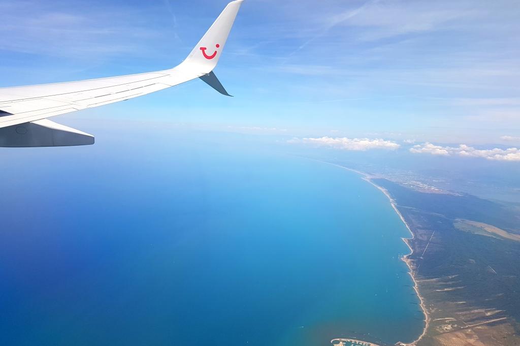 Castelfalfi im Herzen der Toskana sonne land und leute new italien honeymoon 2  tui berlin castelfalfi flugzeug