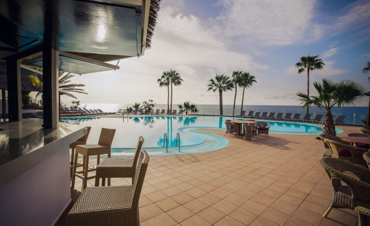 ROBINSON Herbst Deals   Noch keine Lust auf die Kälte? tui hotels strand sonne kanaren griechenland angebote und specials angebot  tui berlin esquinzo playa funpool